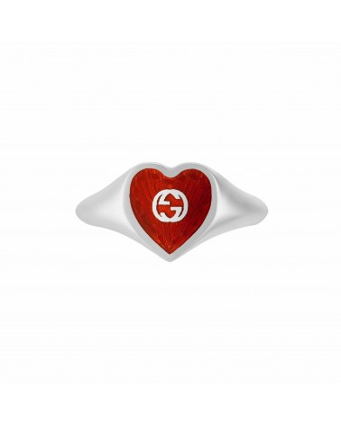 GUCCI Ring with Interlocking G enamel heart