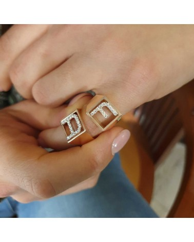 CAPECE GIOIELLIERI Ring DIT-MOI letter A in gold and brilliants
